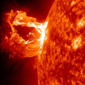 voix_off_eruptions_solaires
